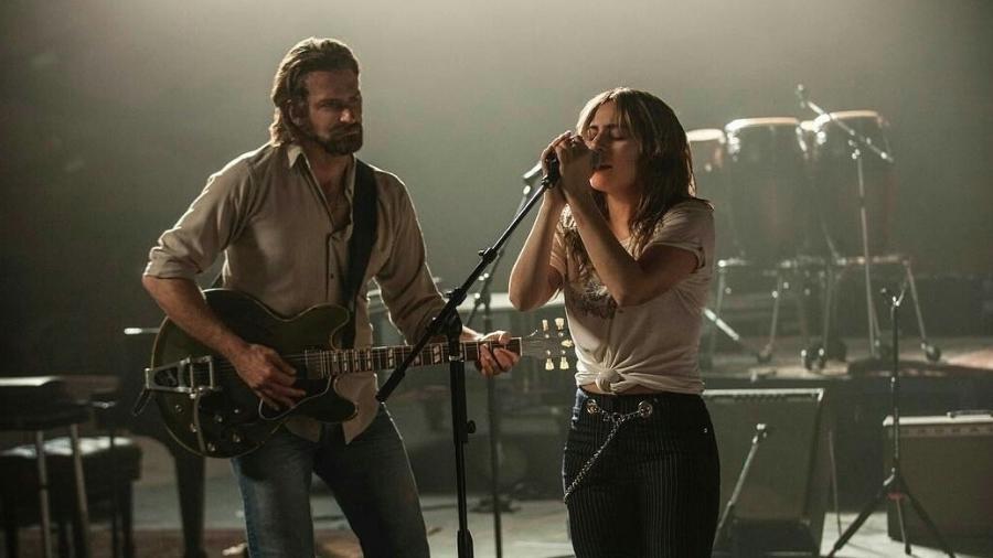 """Bradley Cooper e Lady Gaga em cena de """"Nasce Uma Estrela"""" - Divulgação"""
