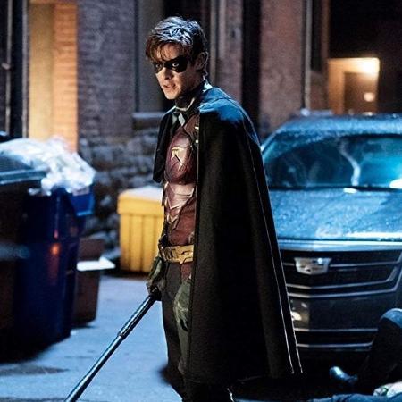 """Brenton Thwaites é o Robin na série """"Titãs"""" - Divulgação"""