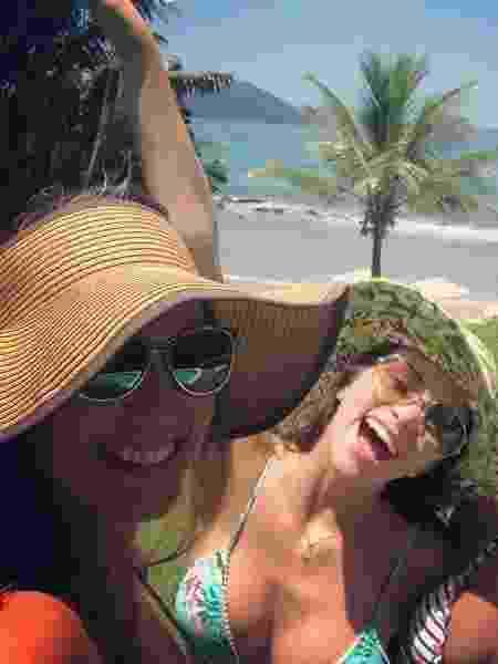 """Luciana Cardoso curte praia com bailarinas do """"Domingão"""" - Reprodução/Instagram/lucard"""