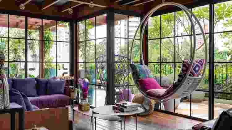 Espaço pensado por Mara Liz Ferrentini, da Zina Arquitetura, para um jovem casal - Raul Fonseca - Raul Fonseca