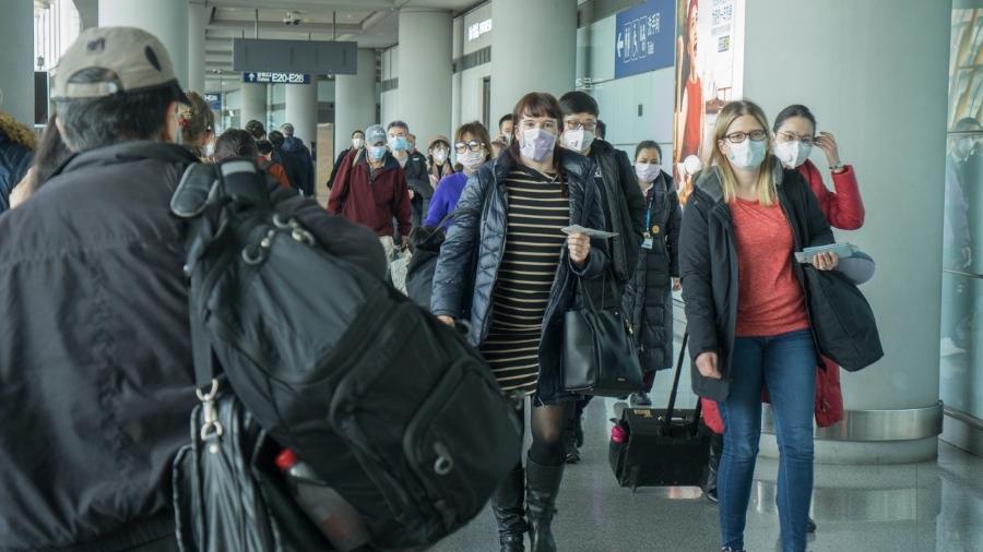 Quase 400 voos foram cancelados ontem no aeroporto de Shenzhen, na China, segundo o site VariFlight - Getty Images