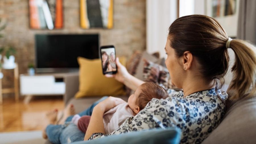 Para médicos, falar sobre possíveis visitas de bebês numa pandemia não é tarefa fácil. - Drazen_/Getty Images