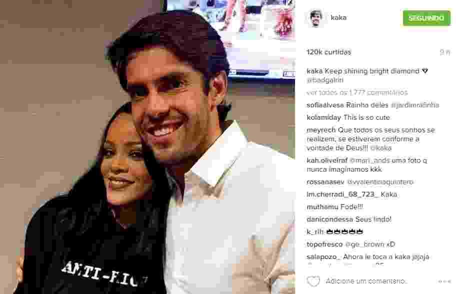 """14.mar.2016 - Kaká encontra a cantora Rihanna e posta foto com a cantora em sua conta do Instagram. """"Keep shining bright diamond"""", escreveu o jogador, referindo-se ao hit """"Diamond"""", de Rihanna - Reprodução/Instagram/haha"""