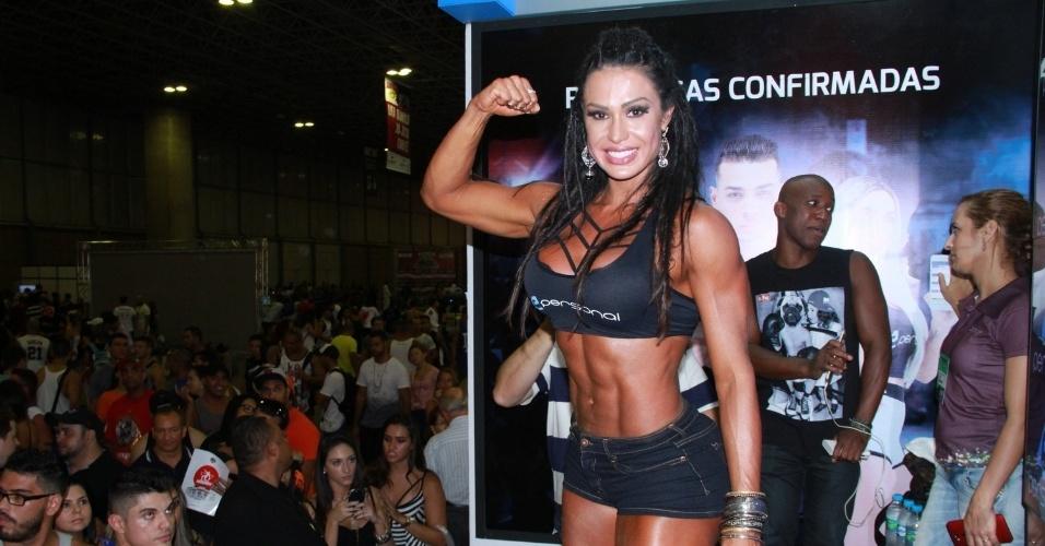 "A modelo Gracyanne Barbosa exibiu o corpo malhado para o público durante a feira ""Arnold Classic Brasil"", na Barra da Tijuca, no Rio de Janeiro"