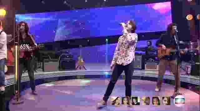 """24.abr.2016 - A banda 2 Reis dos filhos de Nando Reis, no palco do programa """"SuperStar"""" - Reprodução/TV Globo"""