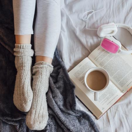 Segundo a maioria dos entrevistados, ler é a atividade mais relaxante - iStock