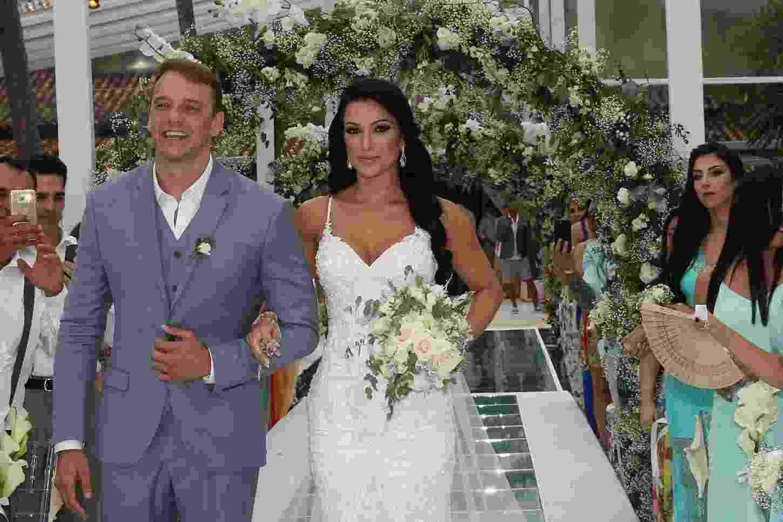 Rogério Padovan se casa em Ilhabela (SP) com Priscila Ferrari - Denilson Santos e Raphael Castello/AgNews