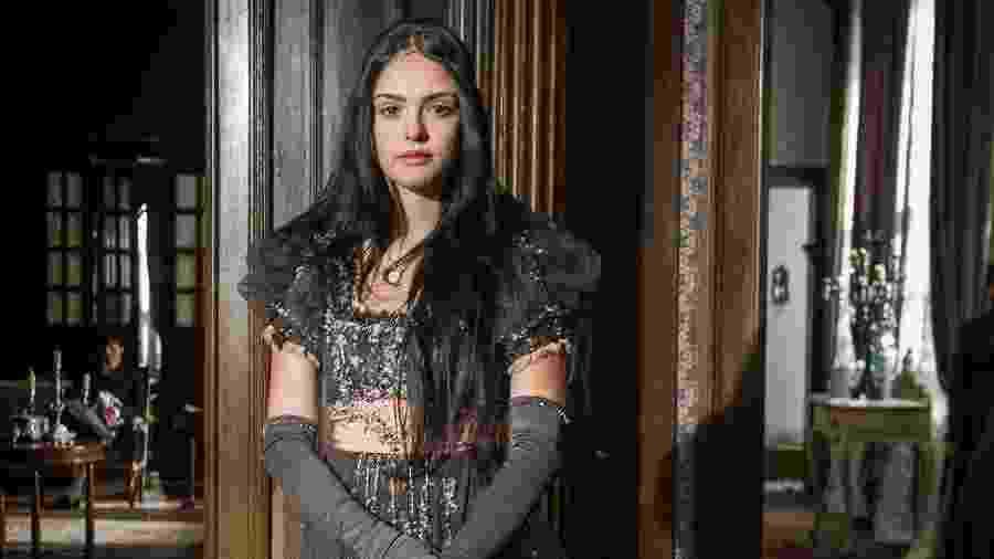 """Em """"Novo Mundo"""", Isabelle Drummond interpretou uma imigrante inglesa e professora de português no início do século 19  - Raquel Cunha/TV Globo"""