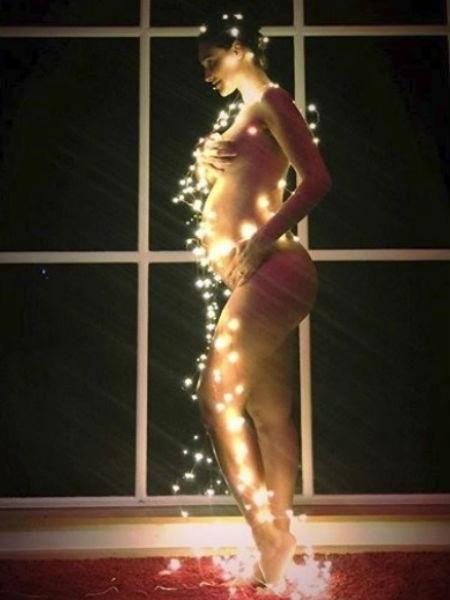 Débora Nascimento posa iluminada na véspera de Natal - Reprodução/Instagram