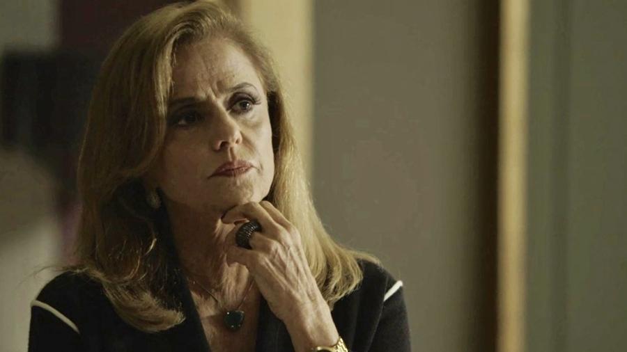 Sophia tenta despistar delegado sobre morte de Rato - Reprodução/Globo