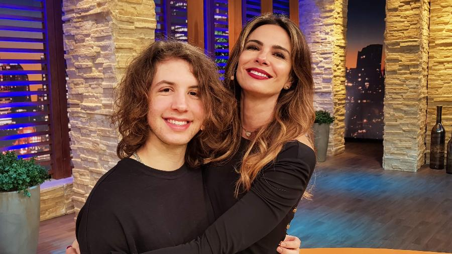 Luciana Gimenez com o filho mais velho, Lucas Jagger - Divulgação/RedeTV!