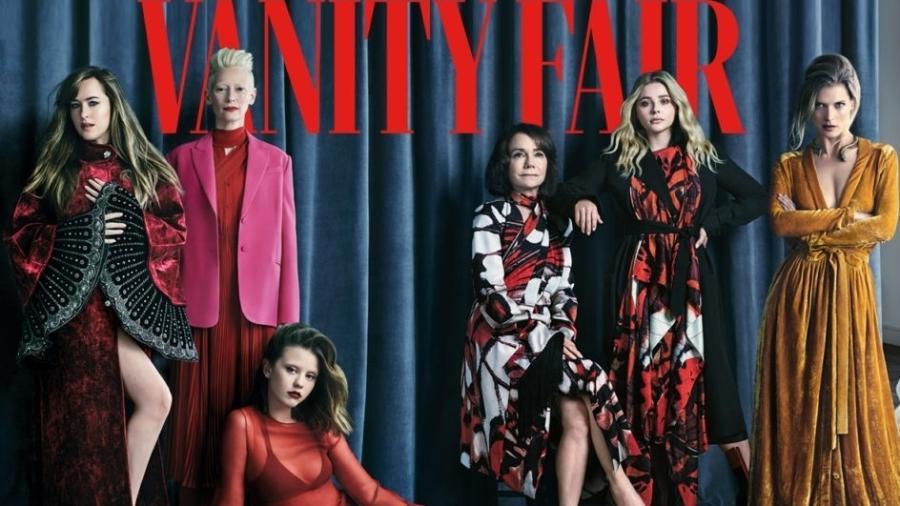 """Mia Goth, neta de Maria gladys, na """"Vanity Fair"""", sentada aos pés de Tilda e Dakota Johnson - Divulgação/Vanity Fair"""