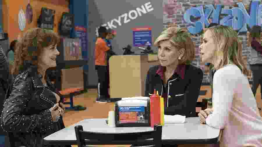 """Susan Sarandon, Christine Baranski e Cheryl Hines em """"Perfeita é a Mãe 2"""" - Divulgação/IMDb"""
