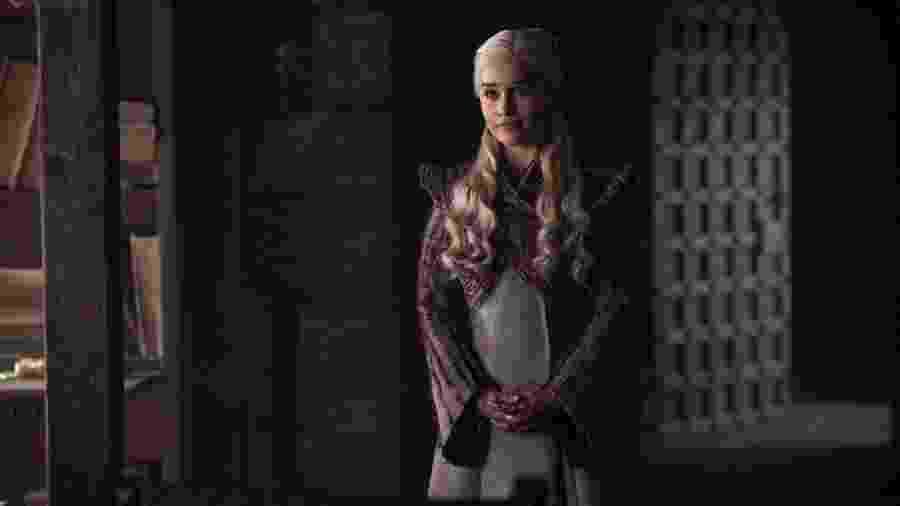 """Emilia Clarke como Daenerys no segundo episódio de """"Game of Thrones"""" - Divulgação/HBO"""