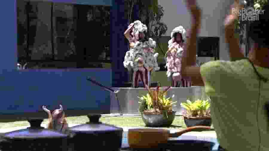 BBB 20: Manu incentiva a pipoca de Flay e Bianca -  Reprodução/Globoplay