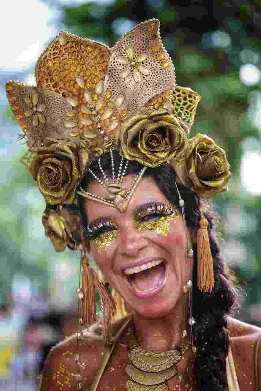 Raquel Poti no cortejo do Cordão do Boitatá, no Rio de Janeiro - Luciola Villela/UOL
