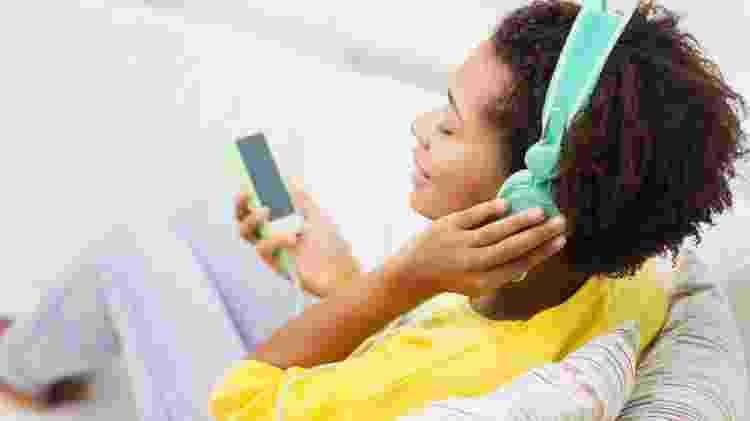 """Precisa de inspirações """"mochileiras"""" para o pós-pandemia? Procure podcasts - Getty Images/iStockphoto - Getty Images/iStockphoto"""