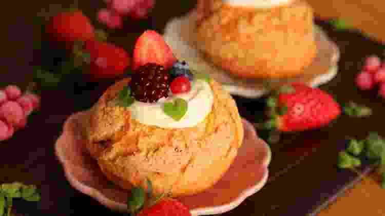 Choux cream com frutas frescas de Cesar Yukio - Divulgação - Divulgação
