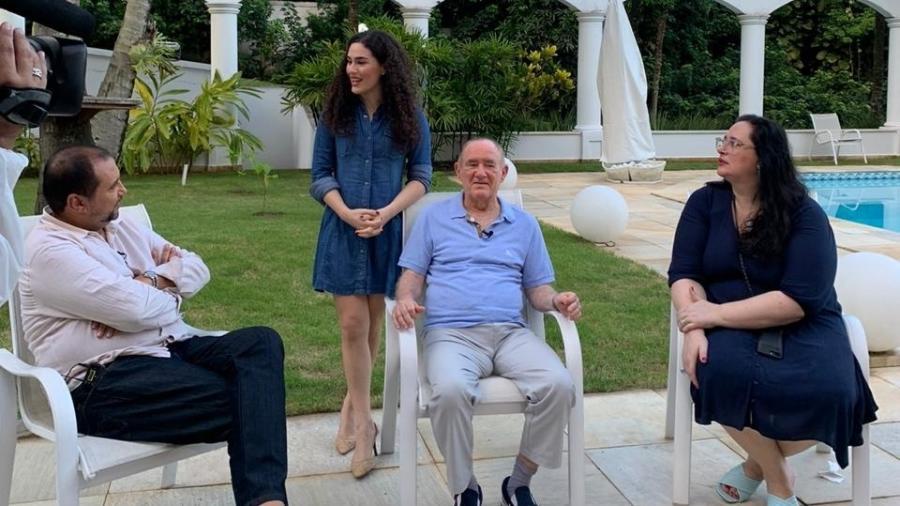 """Renato Aragão, a filha Livian e a mulher, Lilian, estarão na estreia do """"A Noite É Nossa"""" - Divulgação/Record"""