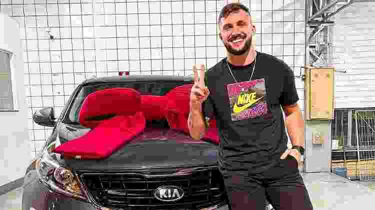 Arthur Picoli do BBB21 com seu Kia Sportage - Reprodução/Instagram - Reprodução/Instagram