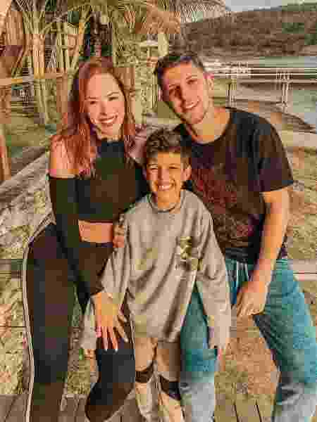 Carla, Andre e o enteado  - arquivo pessoal - arquivo pessoal