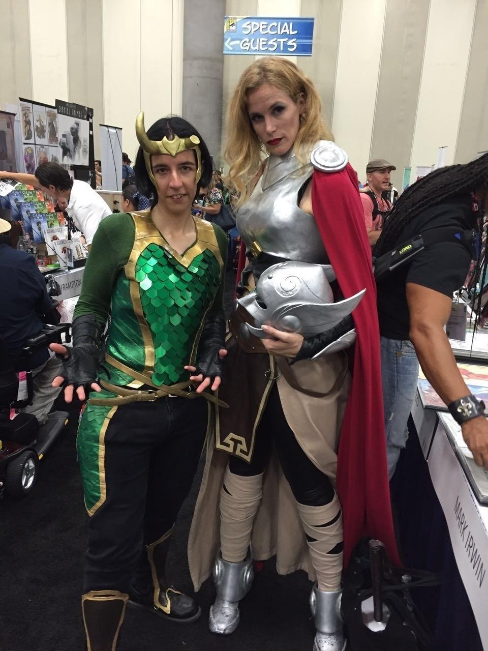 21.jul.2016 - Os deuses Loki e Thor ganham suas versões femininas na San Diego Comic-Con