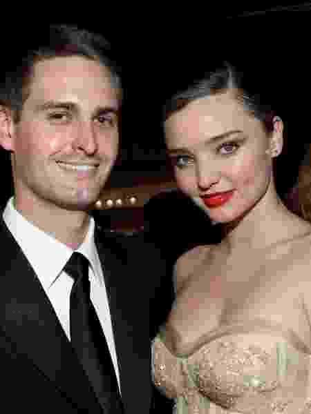 Fundador do Snapchat, Evan Spiegel e a modelo Miranda Kerr  - Tommaso Boddi/Getty Images for Baby2Baby