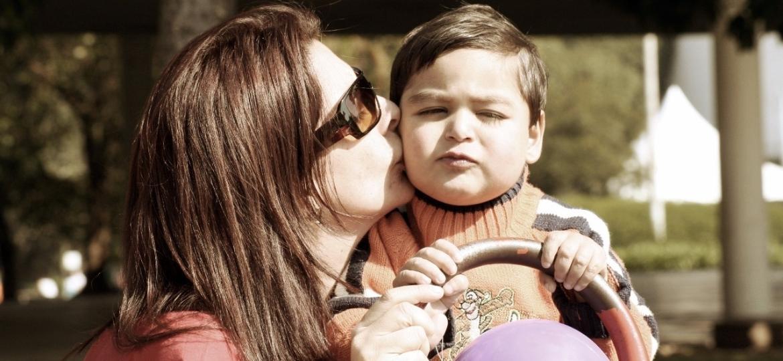 A advogada Marcia Adriana e o filho, Thiago, que nasceu com uma grave e rara doença no coração - Arquivo Pessoal
