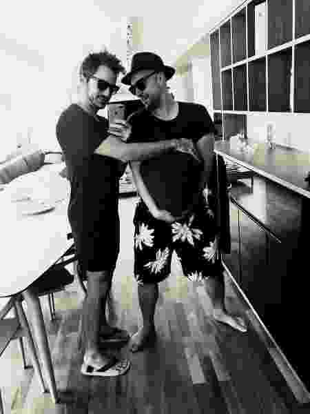 Thales Bretas e Paulo Gustavo anunciam que estão grávidos - Reprodução/Instagram/paulogustavo31