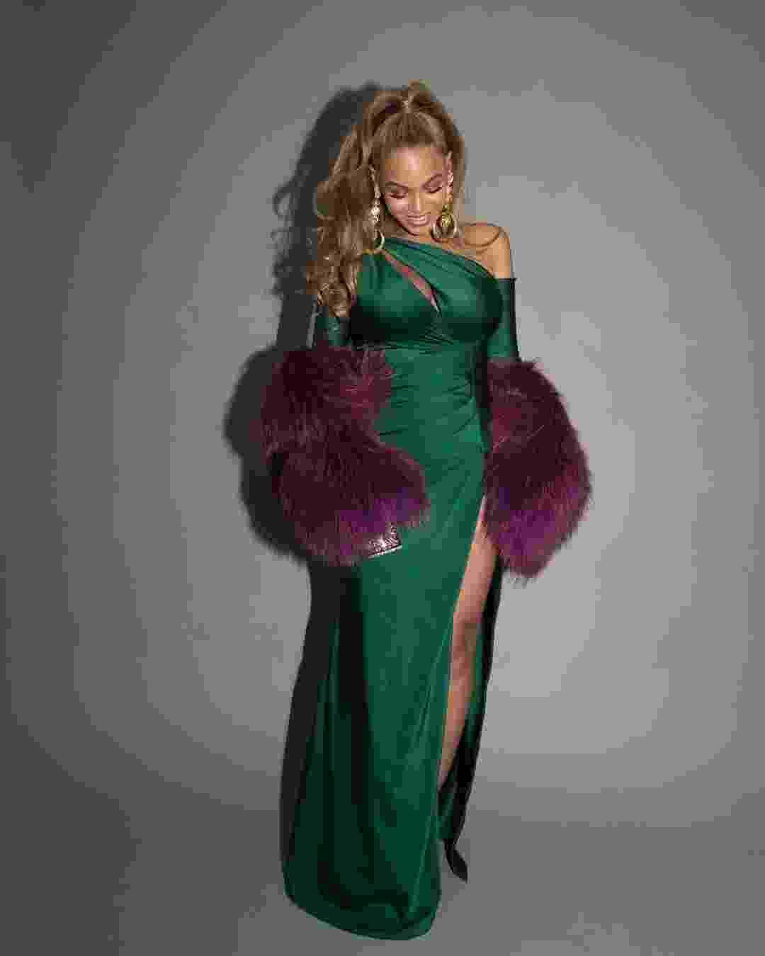 Beyoncé usa bolsa de R$ 16 mil e vestido feito sob medida em festa do Tidal - Reprodução/Instagram