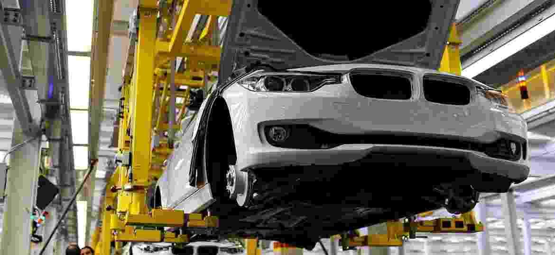 Linha do BMW Série 3 em Araquari (SC): modelo é produzido desde 2014 localmente, mas há riscos; África do Sul é um dos países que fará nova geração - Divulgação