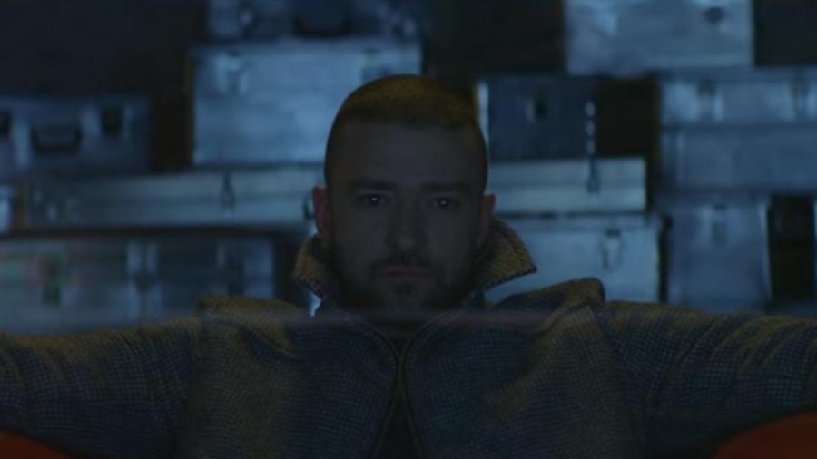 """Justin Timberlake no clipe de """"Supplies"""" - Reprodução/Youtube"""