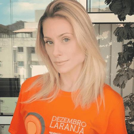 Mãe de Nicolas Prattes revela câncer de pele - 06 12 2018 - UOL TV e ... 4b4d84116f