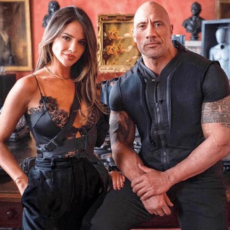 """Dwayne """"The Rock"""" Johnson e Eiza González em """"Hobbs and Shaw"""" - Reprodução/Instagram"""