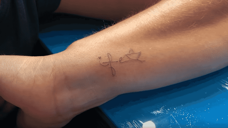 As tatuagens de Thais Fersoza - Reprodução/Youtube - Reprodução/Youtube