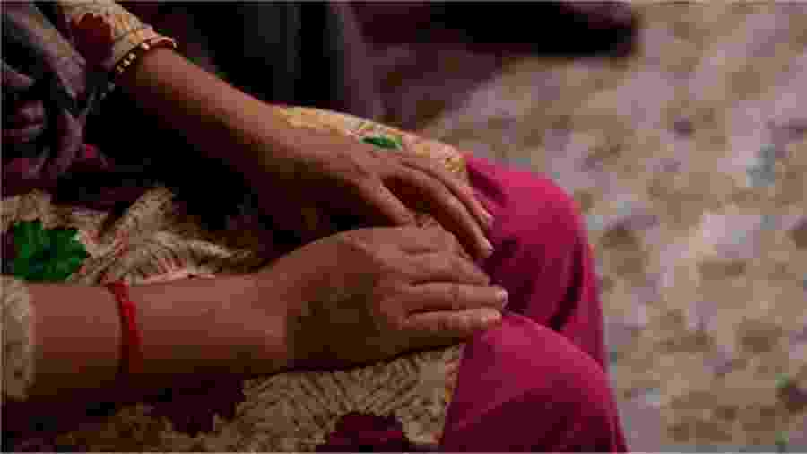 Sabita (nome fictício) visita o centro de crise para acompanhamento uma vez por mês - Getty Images