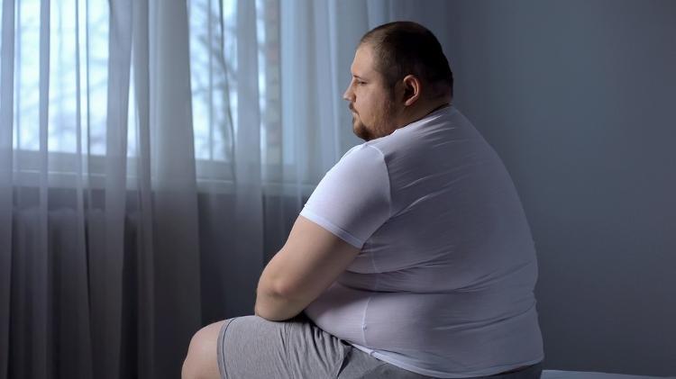 Obeso, insônia, obesidade - iStock - iStock
