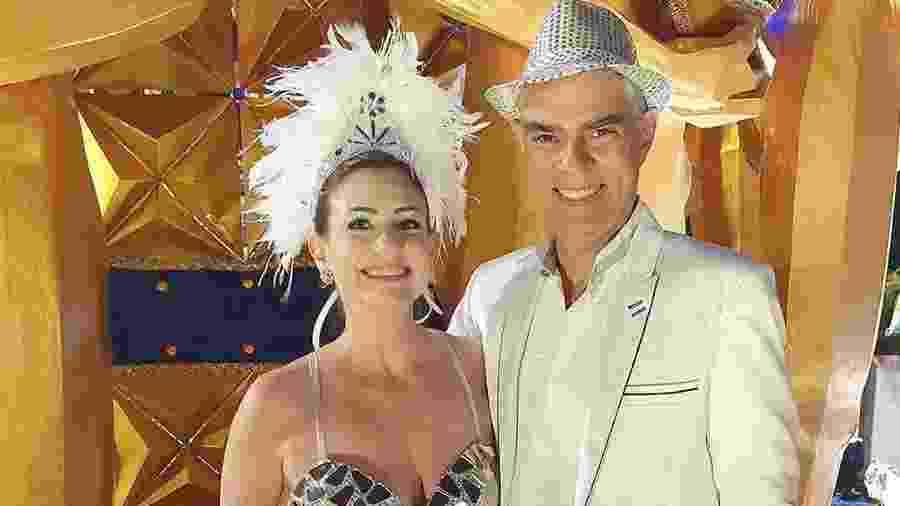 Nizo Neto e a mulher, Tati Presser, antes do desfile da Tucuruvi - Reprodução/Instagram