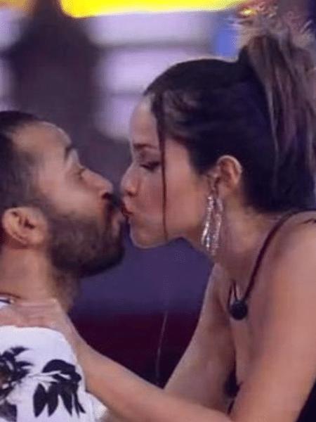 BBB 21: Gil e Juliette dão selinho - Reprodução/Globoplay
