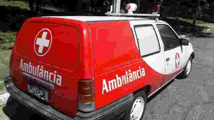 Kadett Ipanema pertencia a construtora em MG e até hoje tem documento de ambulância, diz dono - Arquivo pessoal - Arquivo pessoal