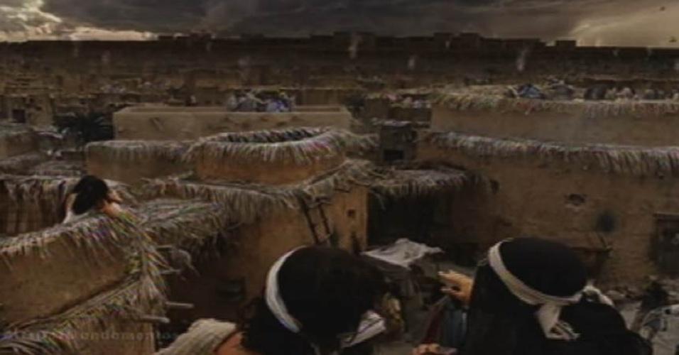 """8.out.2015 - Trovões e escuridão no céu espantam a população do Egito quando a sétima praga é convocada por Moisés, em """"Dez Mandamentos"""""""