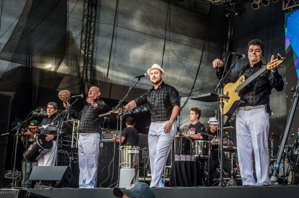 25.jan.2016 - A banda Demônios da Garoa faz show no Centro Esportivo Tietê em homenagem aos 462 anos da cidade de São Paulo