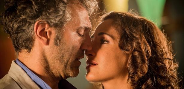 """Santo (Domingos Montagner) e Tereza (Camila Pitanga) decidem ficar juntos em """"Velho Chico"""" - Caiuá Franco/TV Globo"""
