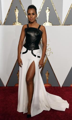 Kerry Washington  veste Versace preto e branco no Oscar 2016