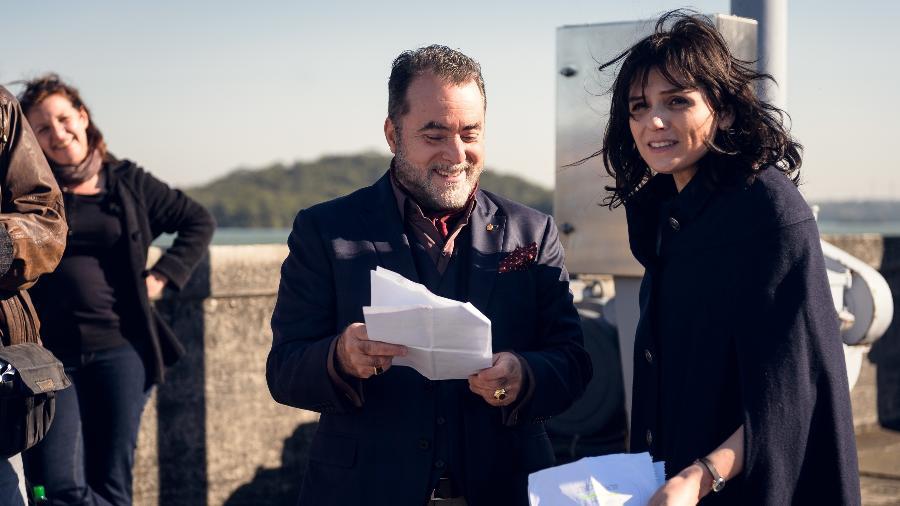 """Mônica Iozzi e Tony Ramos durante as gravações de """"Vade Retro"""" - Divulgação/TVGlobo"""