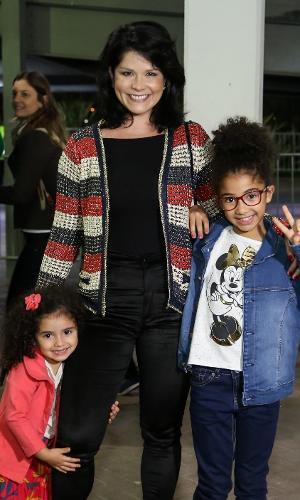 Samara Felippo e suas filhas Alícia e Lara Barbosa no Disney On Ice, no Rio de Janeiro