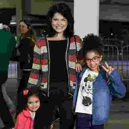 Samara Felippo e suas filhas  - Roberto Filho / Brazil News