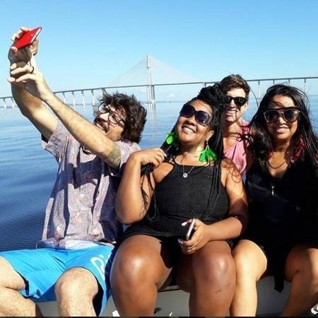 Elis, Manoel, Roberta e Ilmar estão visitando a cidade de Vivian: Manaus - Reprodução/Instagram/@elisoficialBBB17