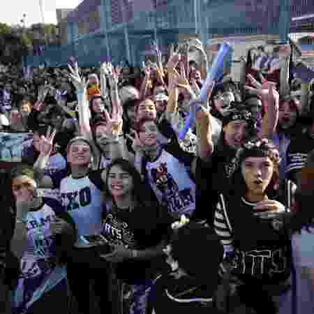 Fãs do BTS em São Paulo, em fila para show de 2015 -  Fabio Braga/Folhapress -  Fabio Braga/Folhapress