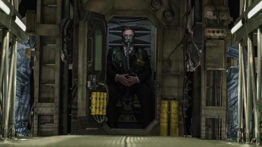 """John Goodman em cena de """"Captive State"""" - Divulgação"""